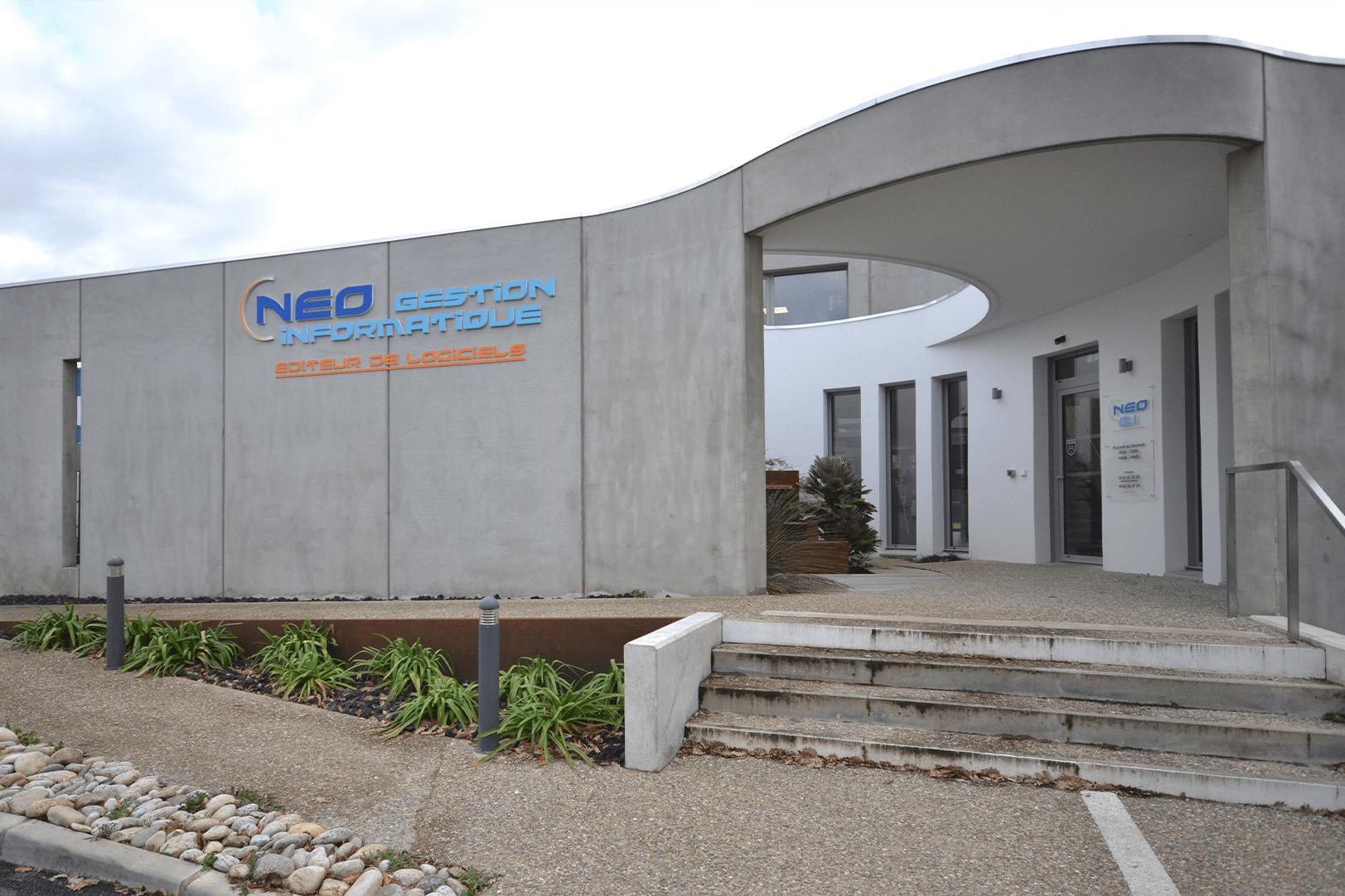 Cette image représente la façade des locaux de Néo Gestion